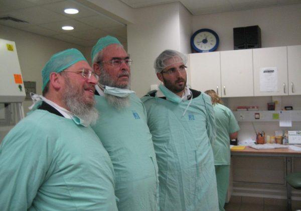 ביקור הרב צ'ולק במרכז רפואי אסף הרופא